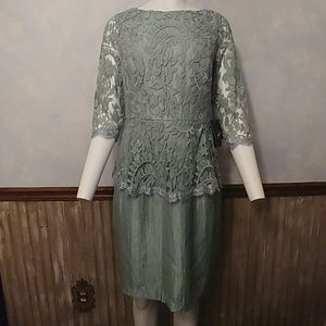 Adrianna Papell Seafoam Green Lace Bodice Dress 10
